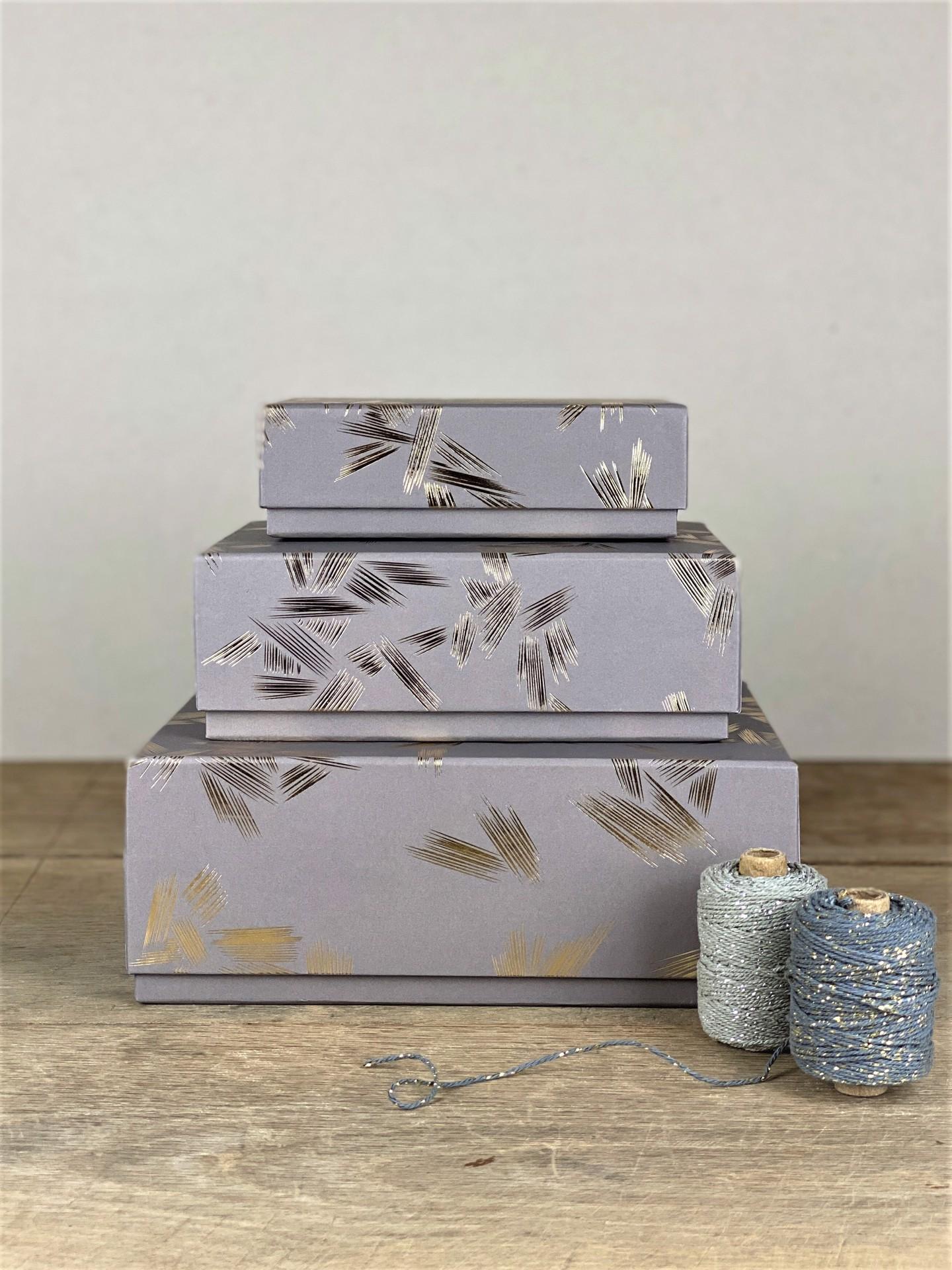 Geschenkbox fliedergrau ornamente
