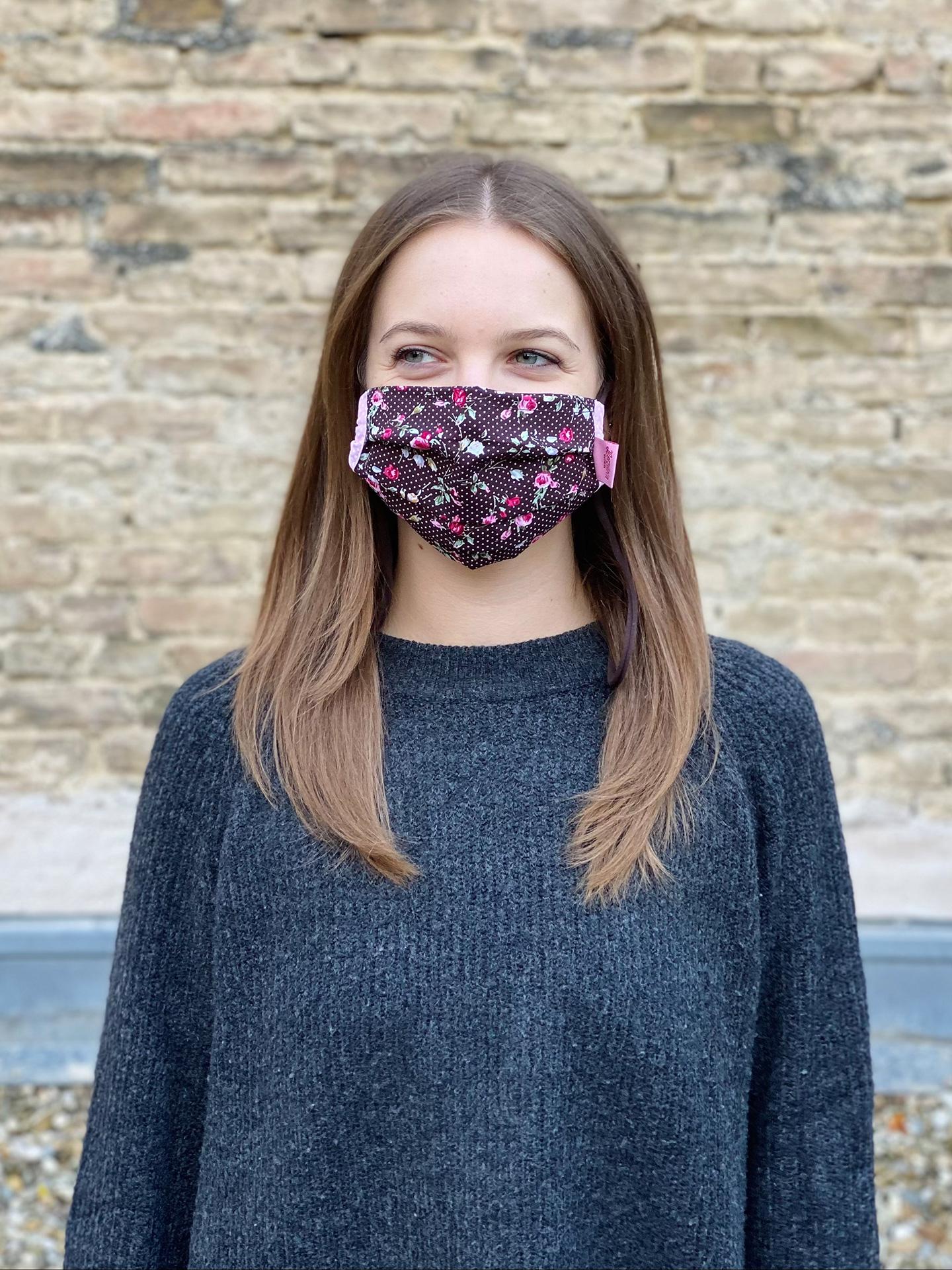 Herzilein Stoffmaske Woman Fleur dunkelbraun