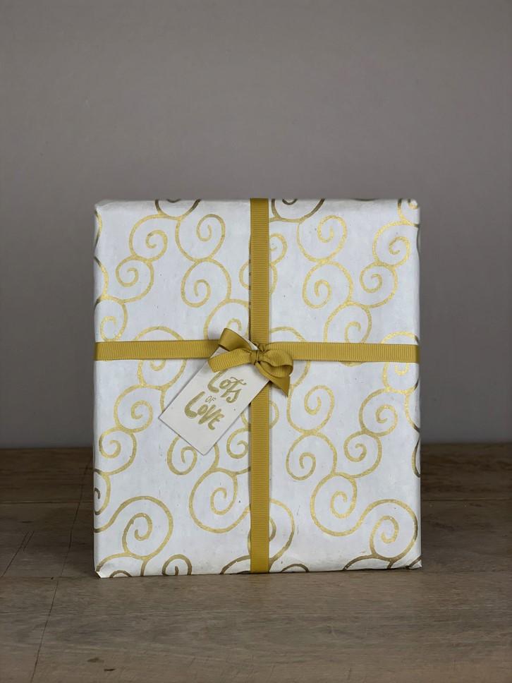 Geschenkpapier handgeschöpft weiß/gold Schnecke