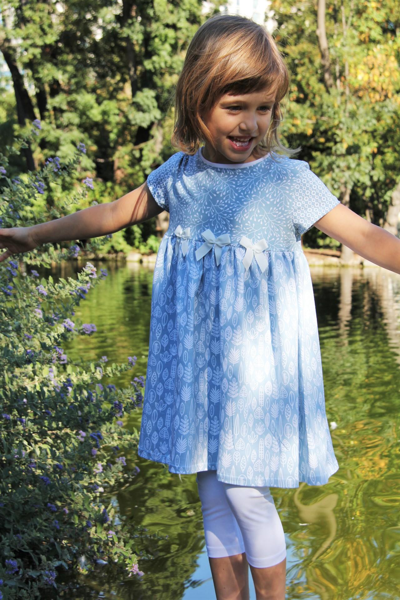 Blaetter-Kleid-Hellblau-10