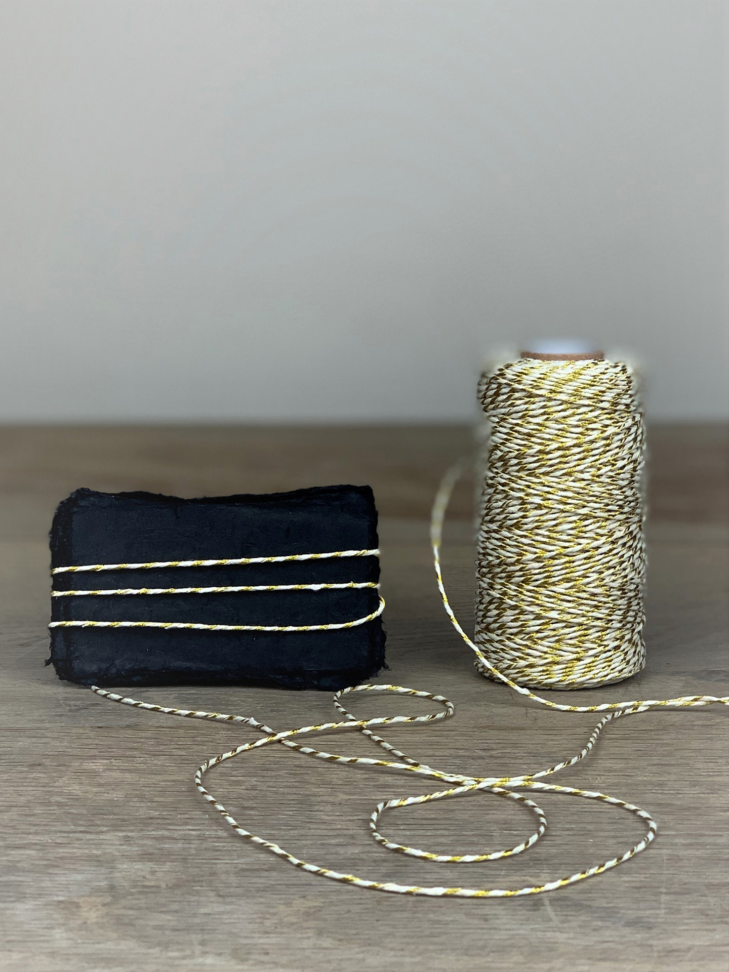 Bakers Twine  100m gold/weiß
