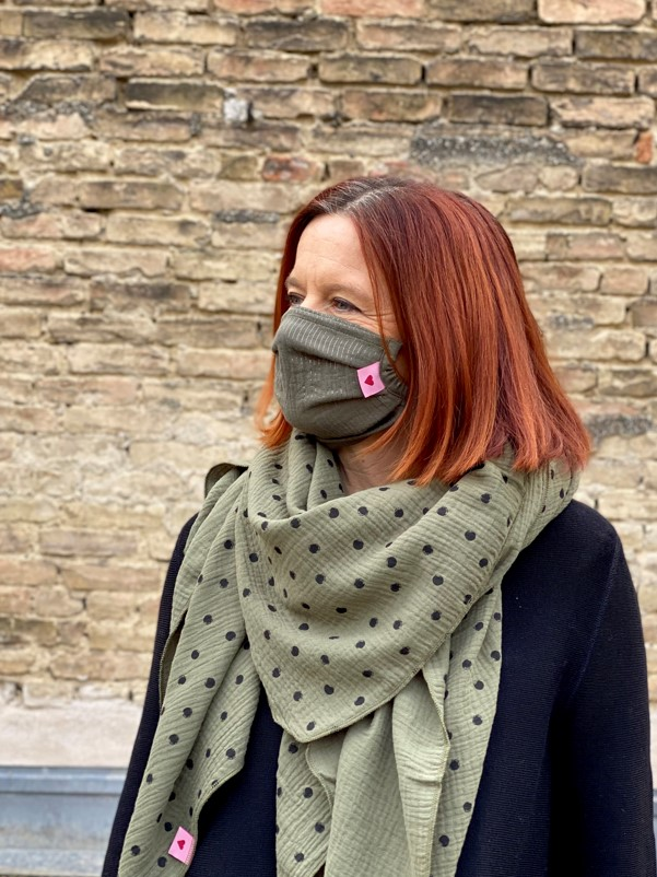 Herzilein Stoffmaske Woman Grün