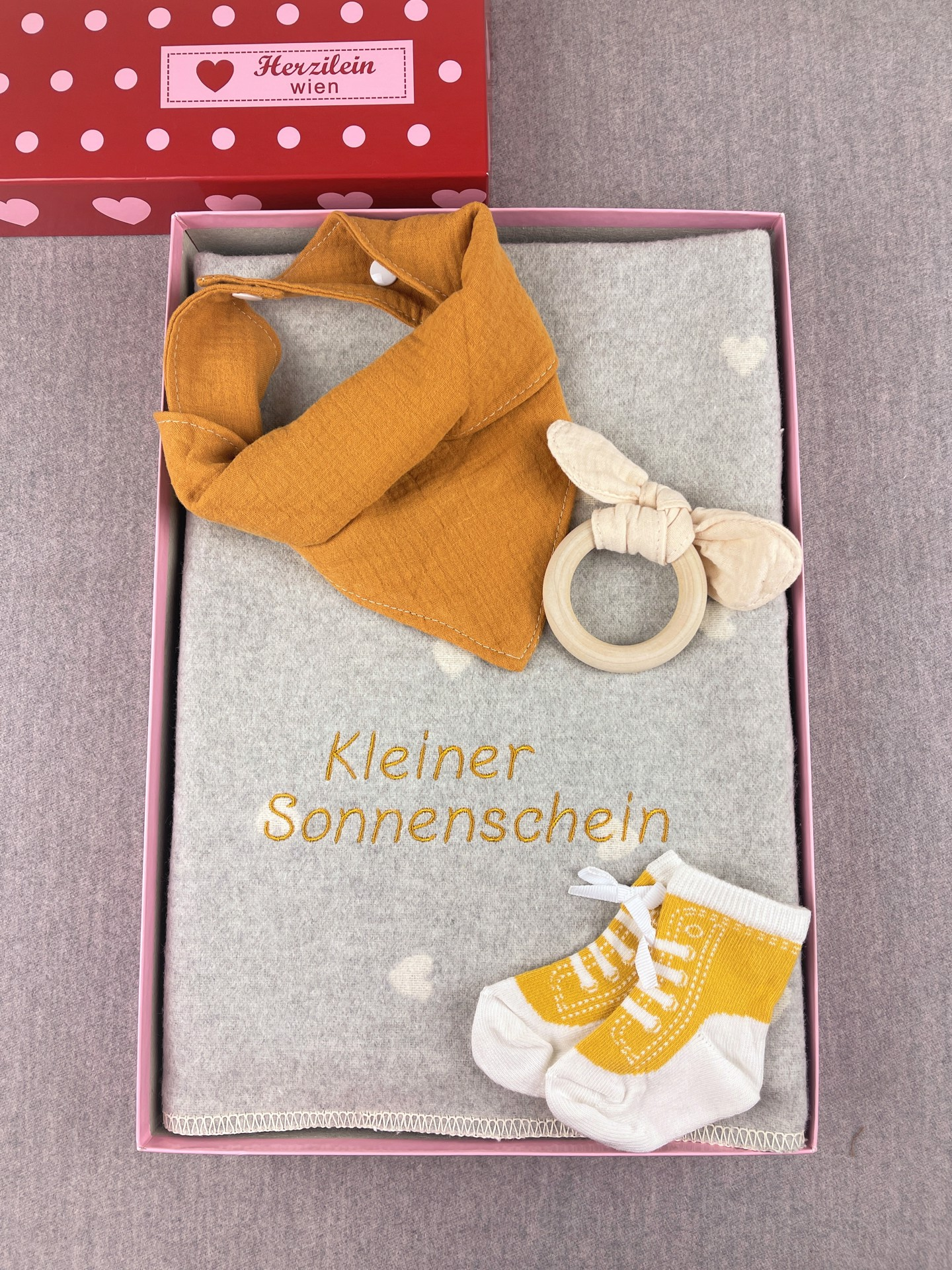 Geschenkbox No. 23 Herz gelb/weiß