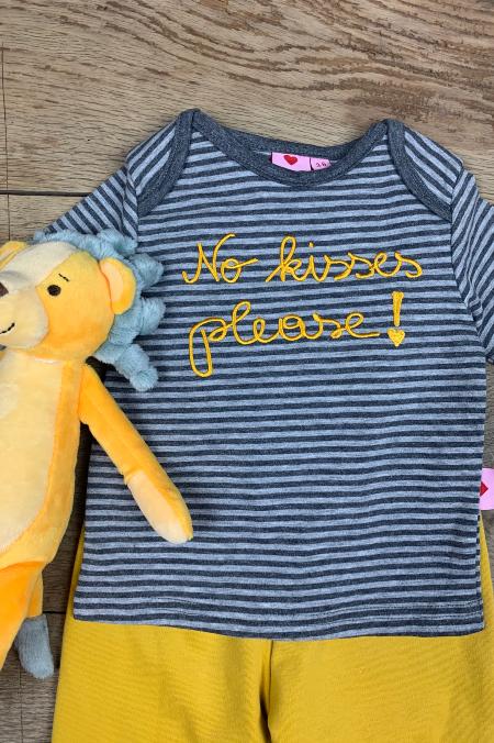 Shirt No kisses please!