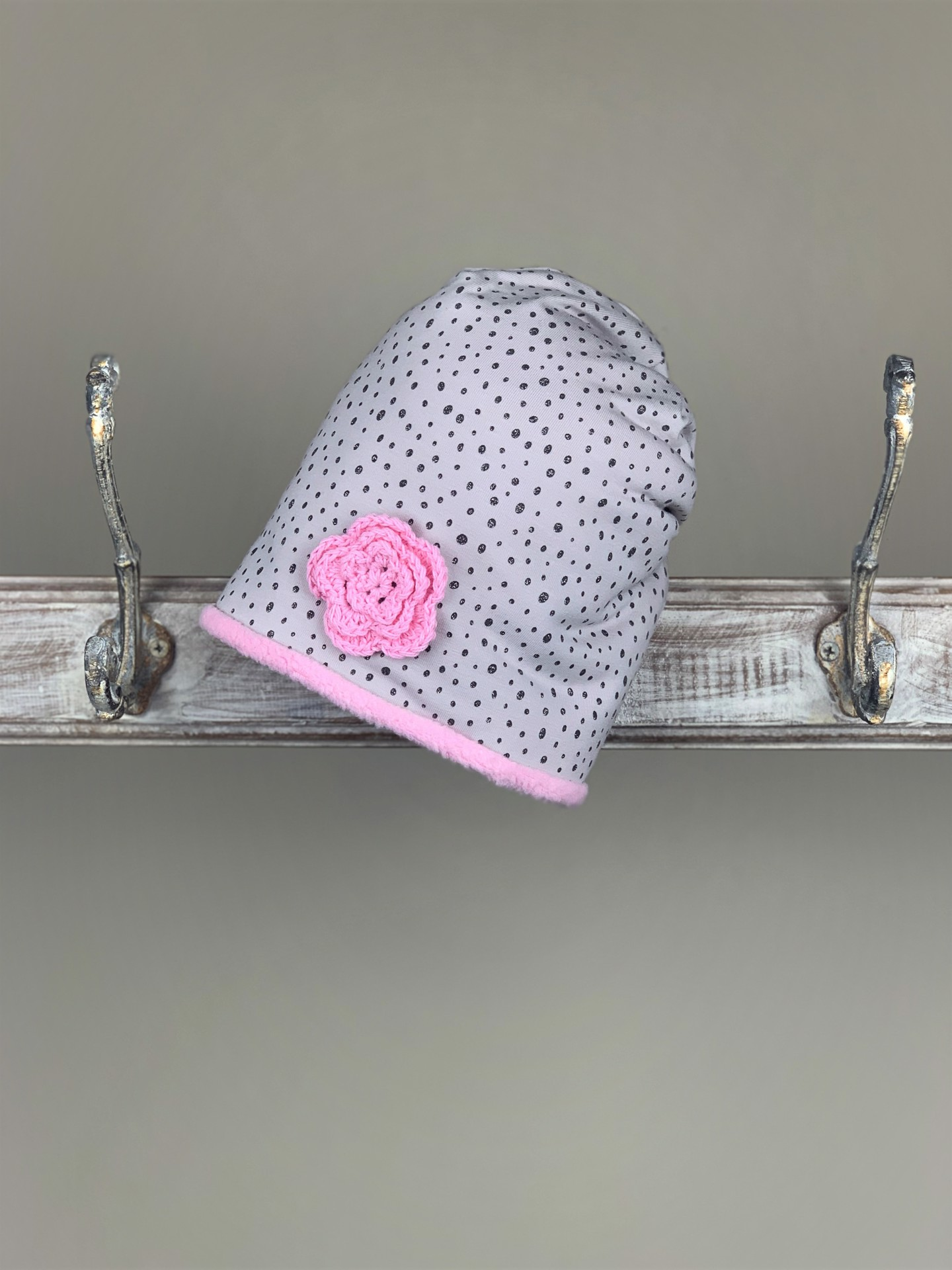 Haube grau/rosa Glitzer