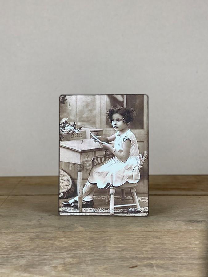 Vintage Holzbild Schreibtisch Mädchen