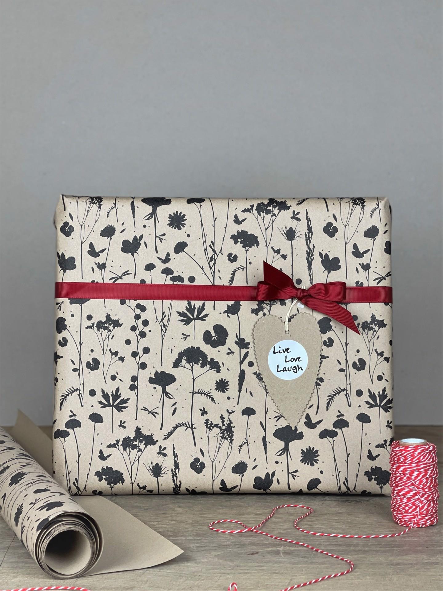 Geschenkpapier doppelseitig kraftbraun/schwarz floral