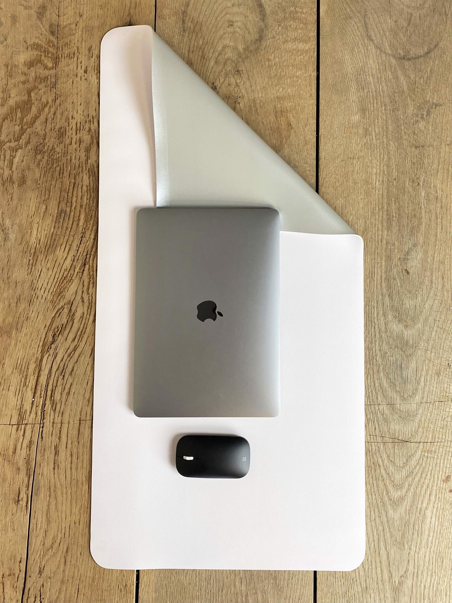 Schreibtischunterlage silber/weiß
