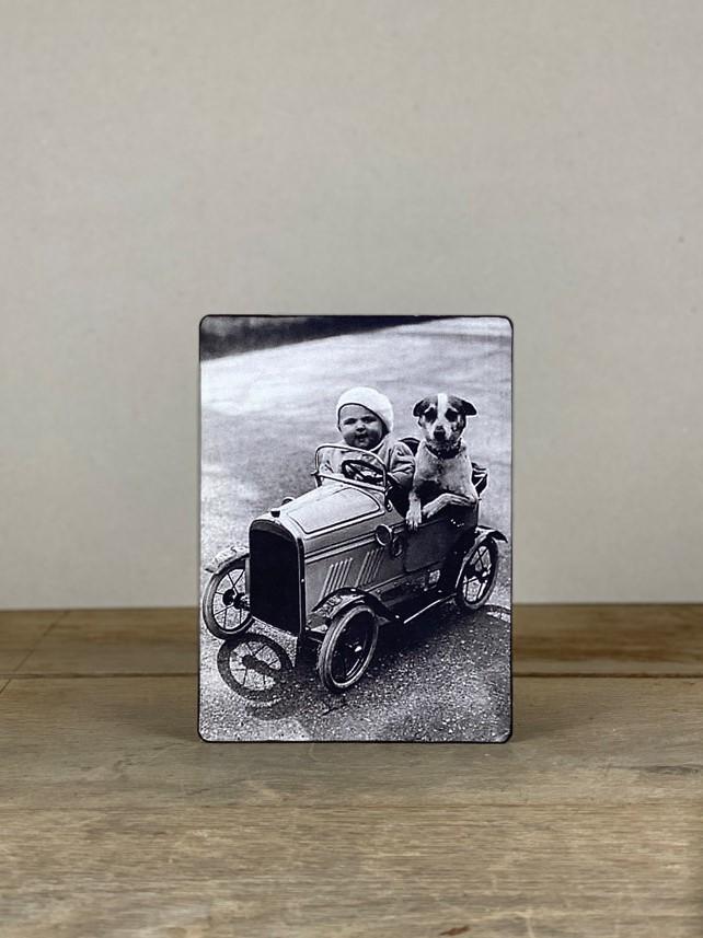 Vintage Holzbild Baby Hund
