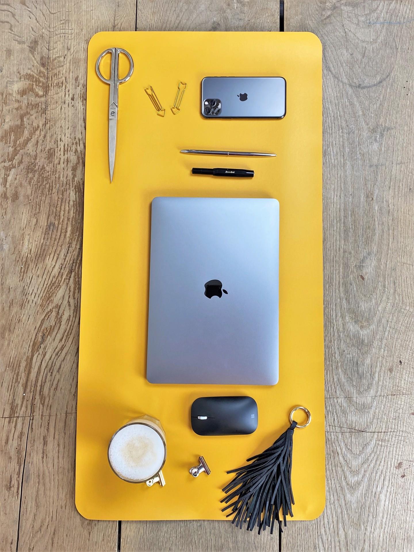 Schreibtischunterlage navy/gelb