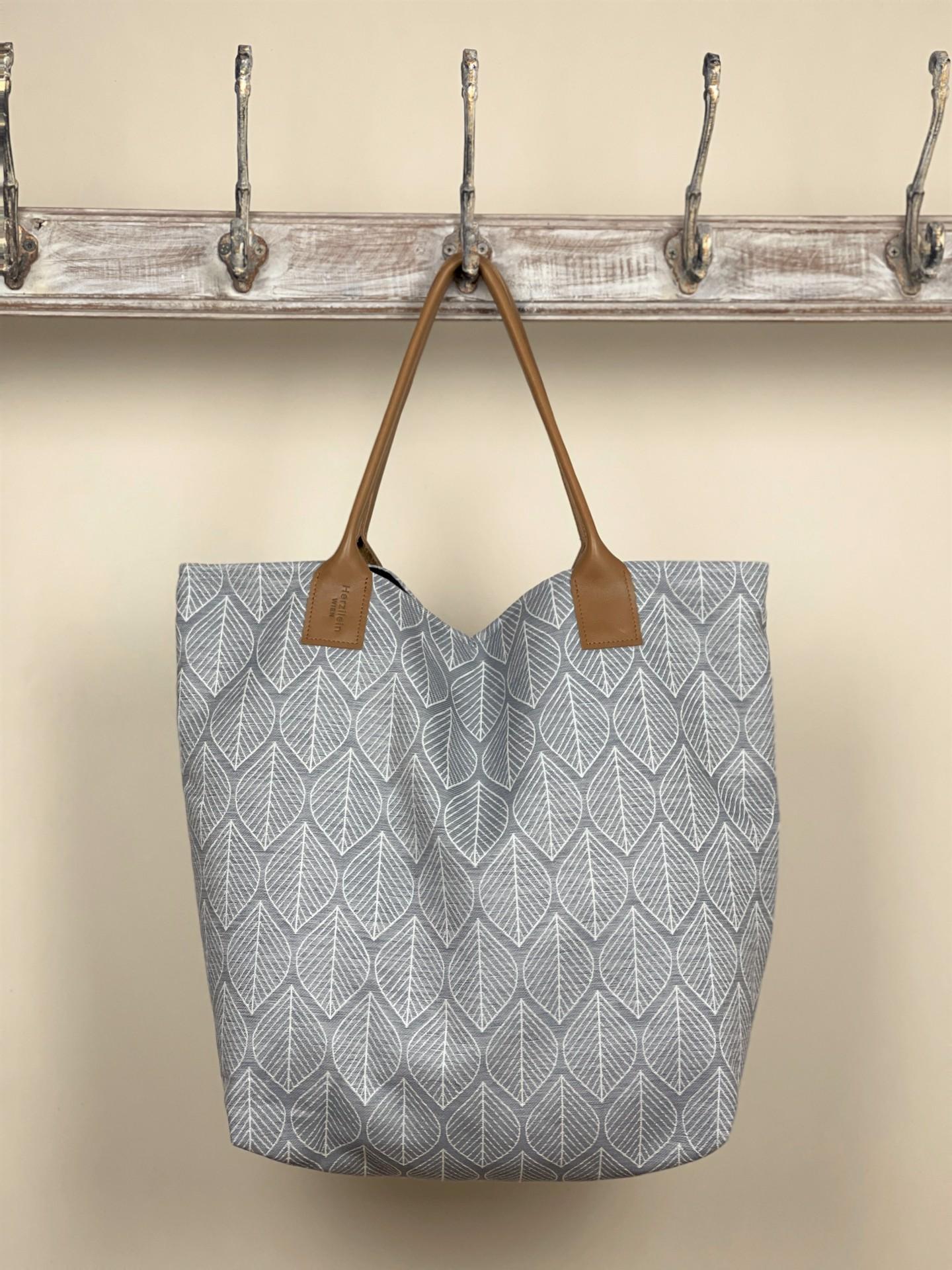Damentasche grau Blätter