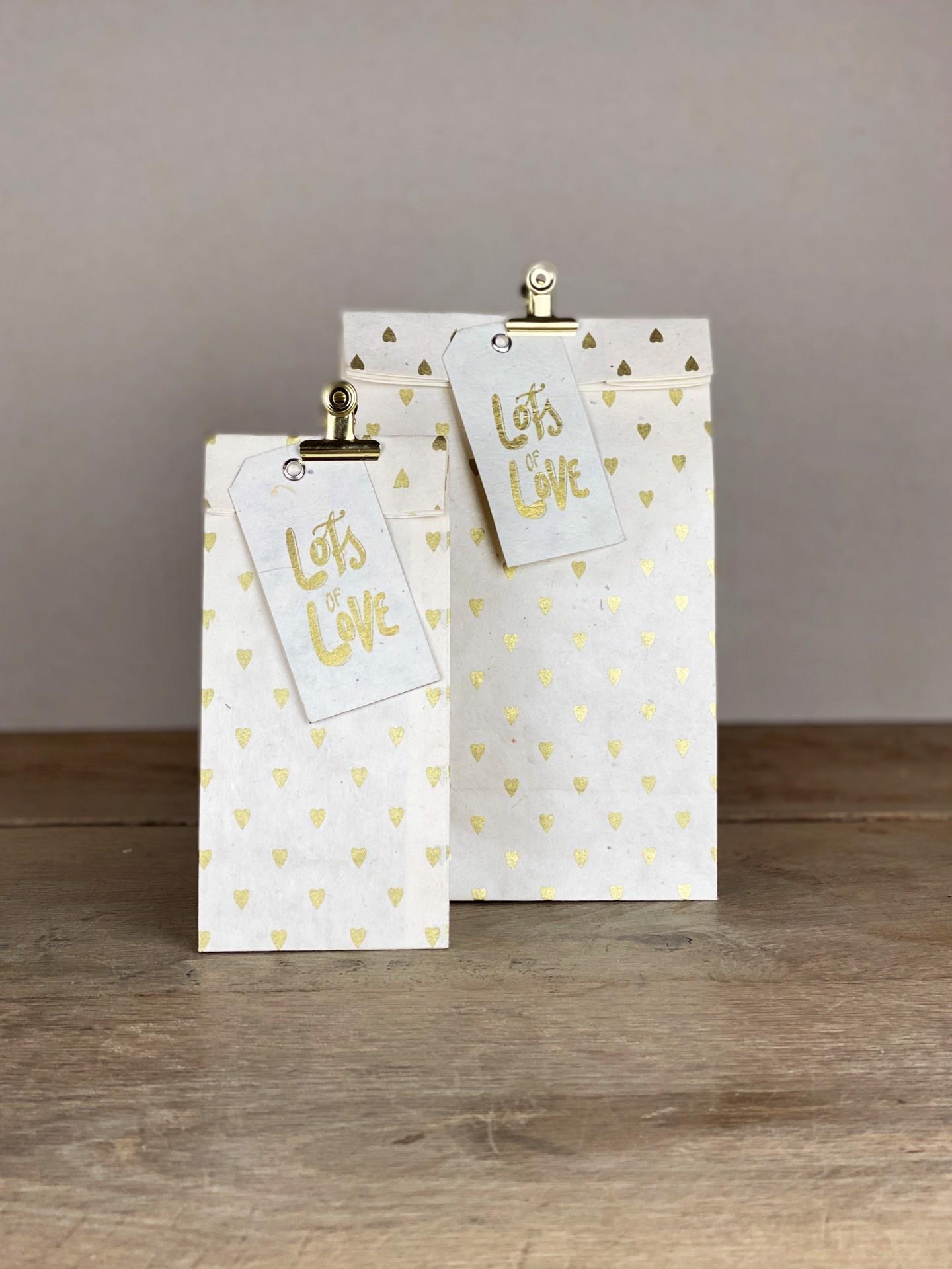 Geschenktüte Herzilein weiß/gold Herzen