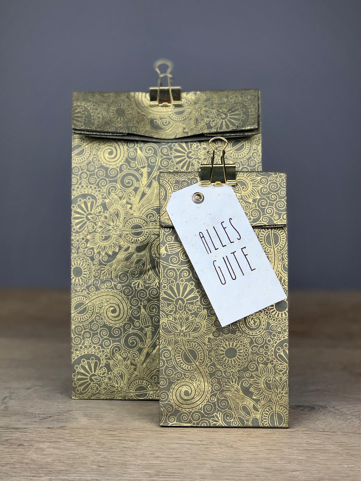 Geschenktüte Herzilein Ornamente grau/gold