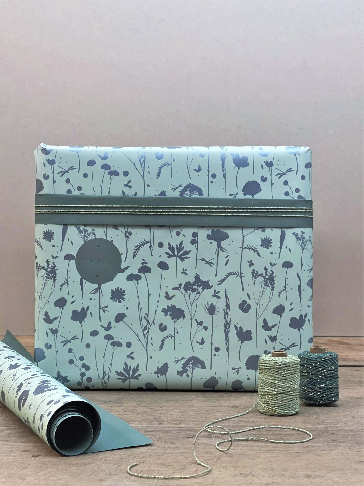 Geschenkpapier doppelseitig mint floral