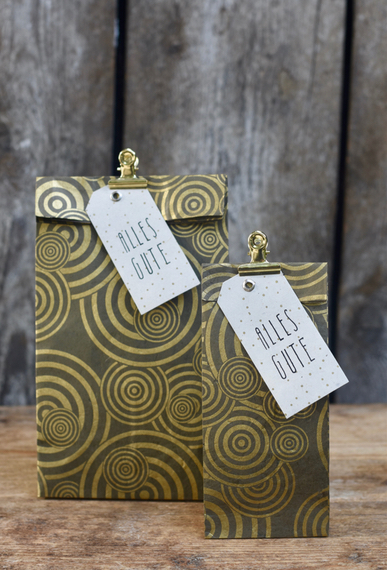 Geschenktüte Herzilein Kreise grau/gold