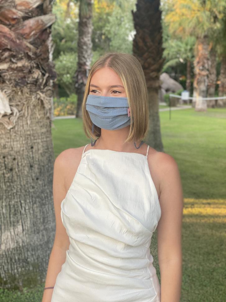 Herzilein Stoffmaske Woman hellblau glitzer