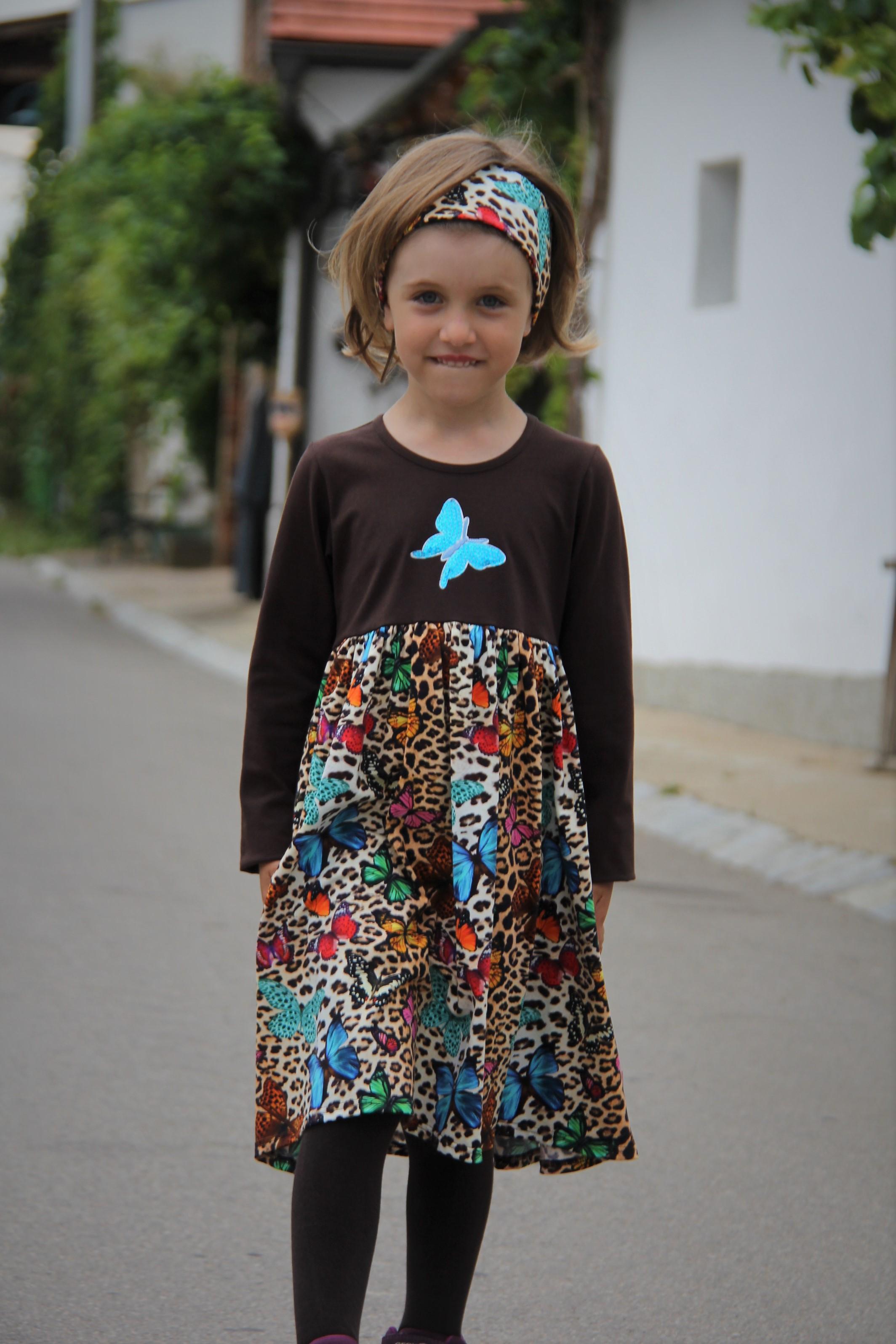 Kleid Schmetterling braun