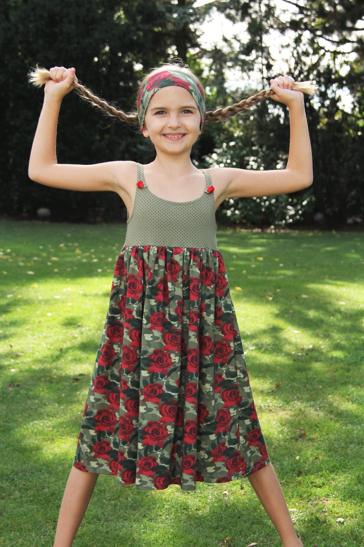 Kleid Camouflage Rosen