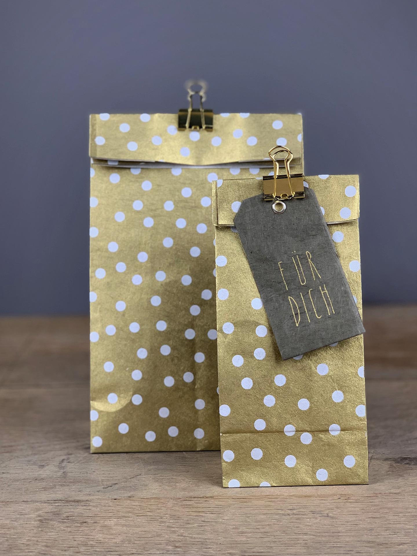 Geschenktüte Herzilein Dots gold/weiß