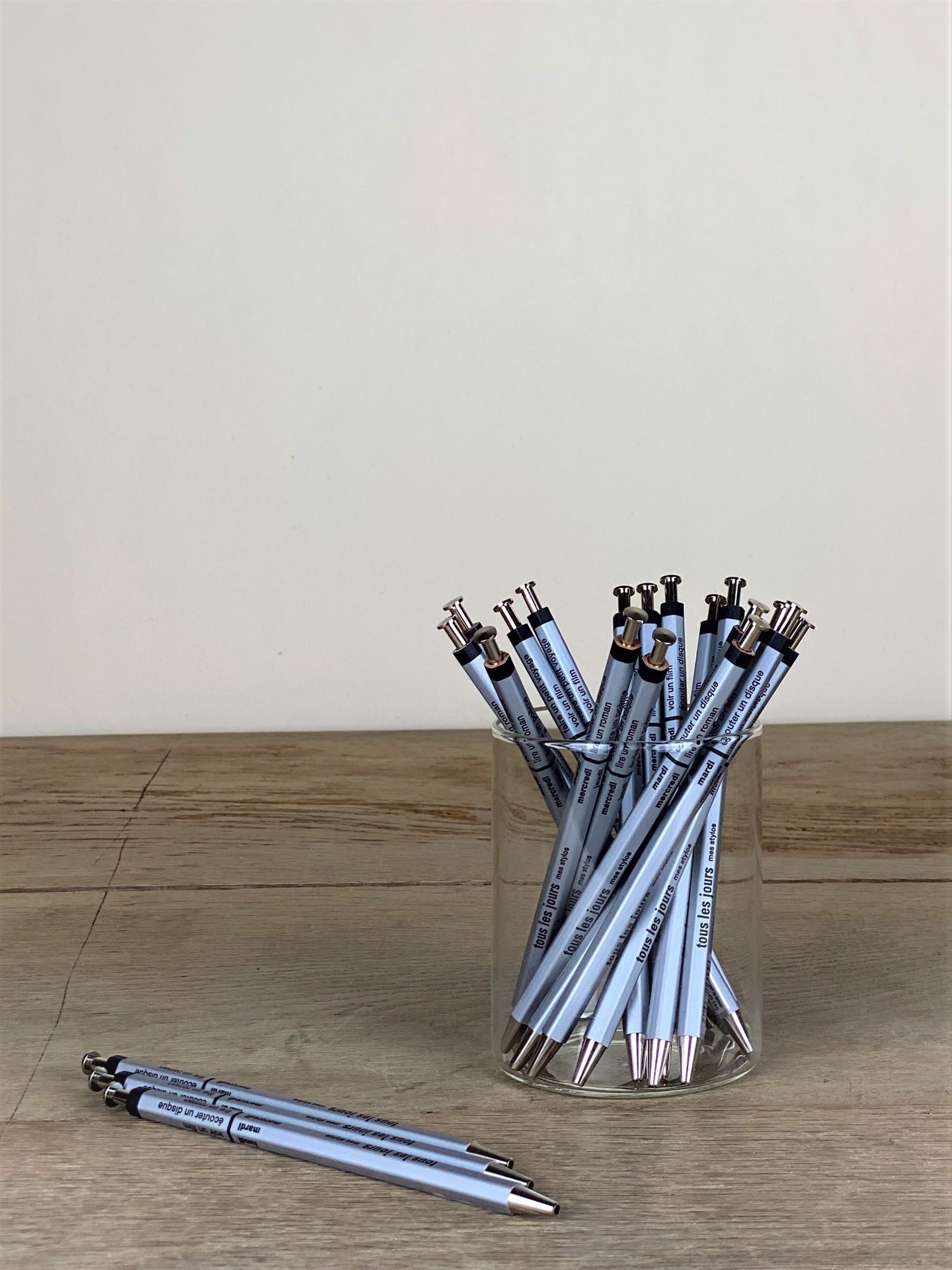 Kugelschreiber extraschlank mit japanischer Needlepoint Mine silber